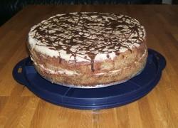 עוגת קרם ופתיתי שוקולד
