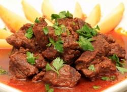 תבשיל בשר ברוטב פלפלים
